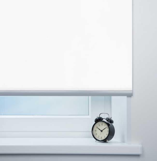 Рулонная штора Mini. Респект блэкаут Белый