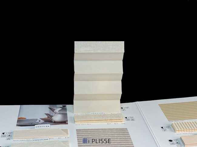 Штора плиссе Bloecker Cosiflor NEW 10425, PG0, R37 A12 T51